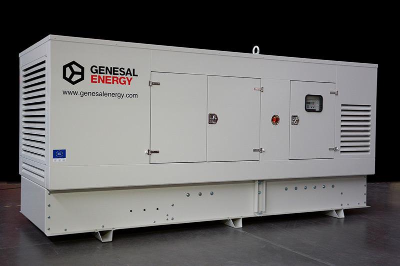 Fase de compartimentación e insonorización de la planta eléctrica Genesal Energy México